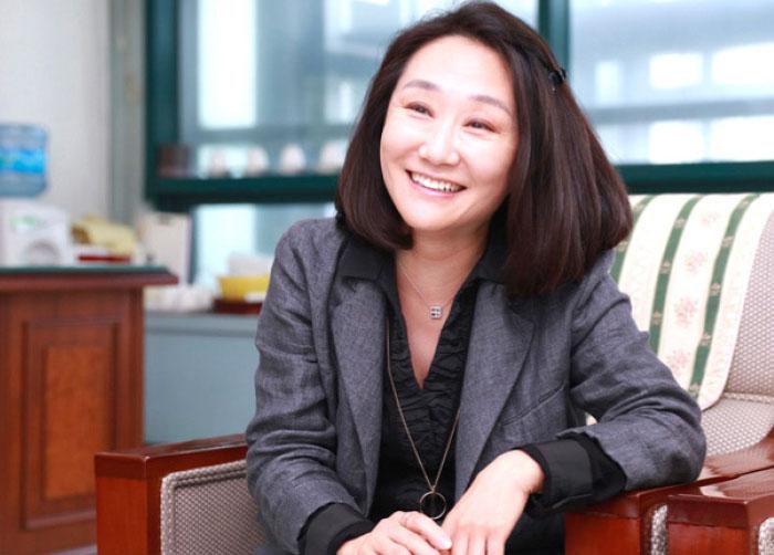 신임 여성동문회 회장 김은정(생미 82) 동문